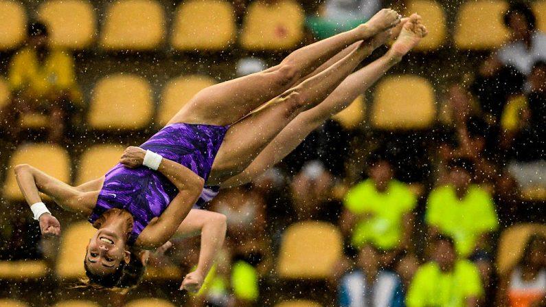 Paola Espinosa Sánchez y Alejandra Orozco Loza de México compiten en trampolín sincronizado 10m en la final femenina de la FINA Copa del Mundo de Saltos de 2016. Paola Espinosa Sánchez es una de las deportistas latinas más destacadas que competirá en los Juegos Olímpicos Río 2016. (Buda Mendes / Getty Images)