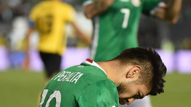 Oribe Peralta se queda afuera de las olimpiadas Río 2016 por una lesión. (MARCA RALSTON / AFP / Getty Images)