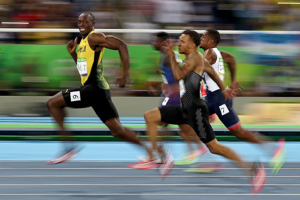 Usain Bolt de Jamaica compite en la semifinal de los 100 metros masculino el día 9 de los Juegos Olímpicos de Río 2016 en el Estadio Olímpico el 14 de agosto de 2016 en Río de Janeiro, Brasil. (Cameron Spencer / Getty Images)
