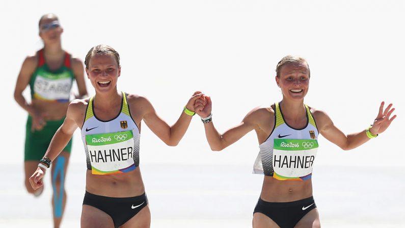 Ana Hahner (L) de Alemania y su hermana Lisa Hahner en Río 2016 (Foto: Alexander Hassenstein/Getty Images)