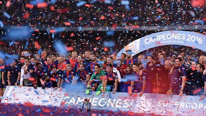 Barcelona campeón de la Supercopa de España  (crédito de foto debe leer JOSEP LAGO/AFP/Getty Images)