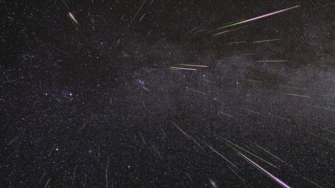 La lluvia de estrellas de las perseidas es uno de los espectáculos astronómicos de las noches de verano. / NASA/JPL
