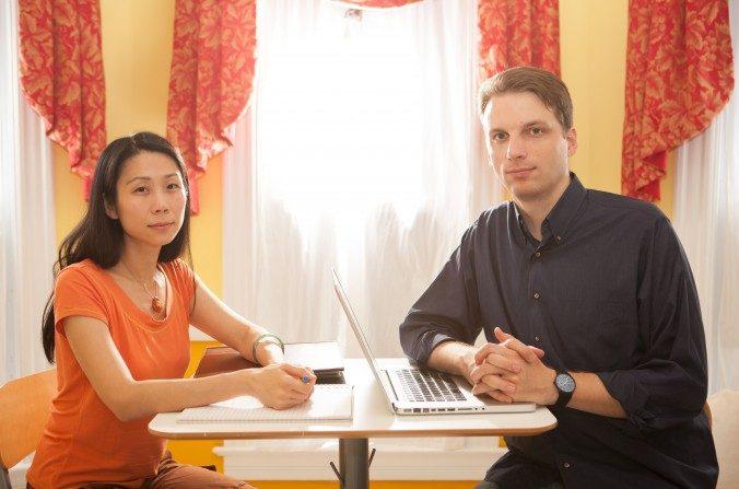 Xiaodan Wang y su marido Jeff Nanarella el 29 de agosto del 2016. (Holly Kellum / La Gran Época)