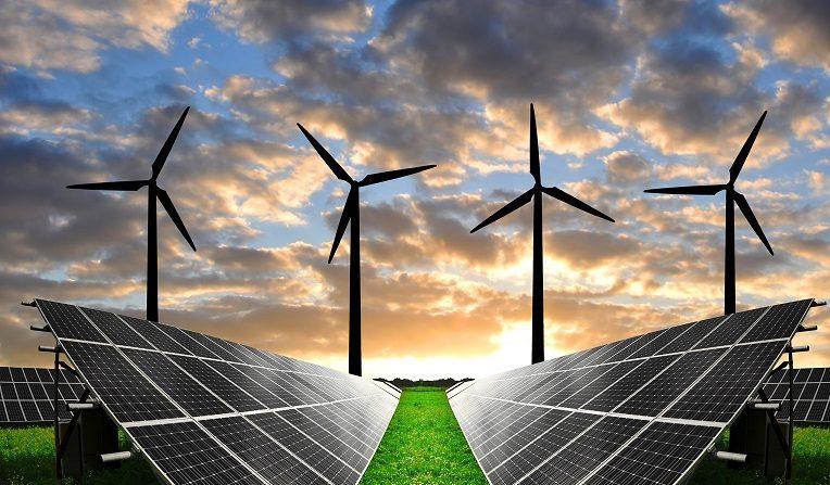 Paneles solares y energía renovable fotovoltáica, junto a turbinas de viento. (Pixabay.com)