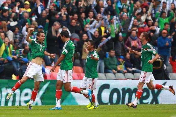 Selección de México jugando con Nueva Zelanda. (Foto de Héctor Vivas/Getty Images)