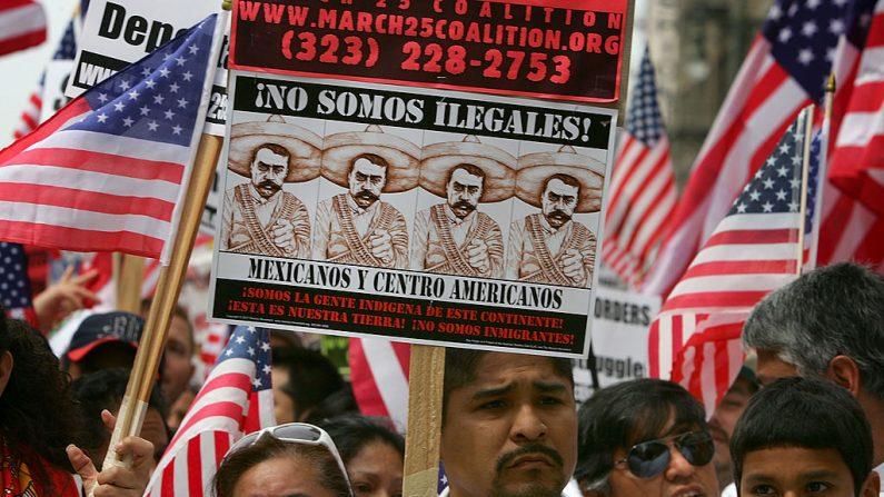 Inmigrantes ilegales en la frontera México-Estados Unidos. (Foto de David McNew/Getty Images)