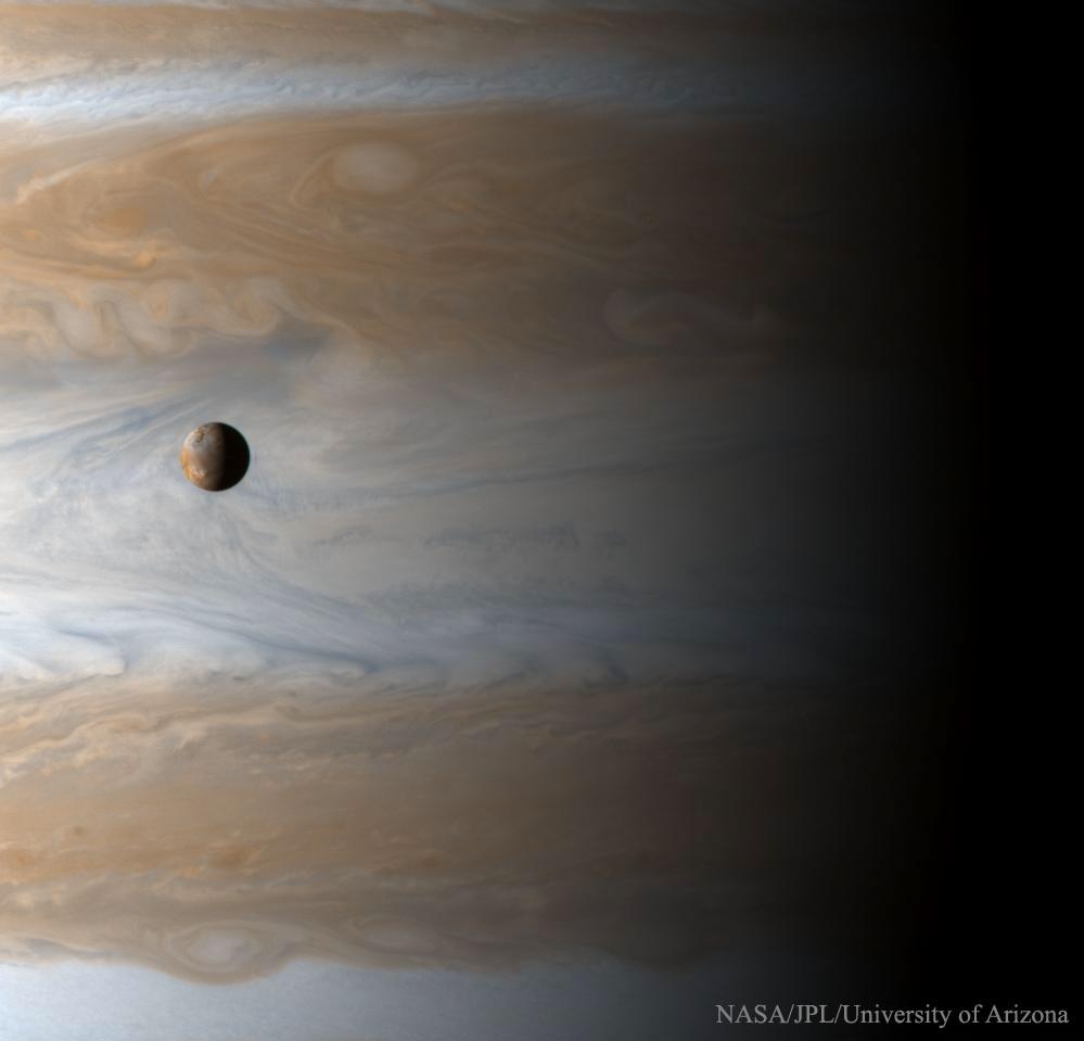 (Cassini Imaging Team, SSI, JPL, ESA, NASA)