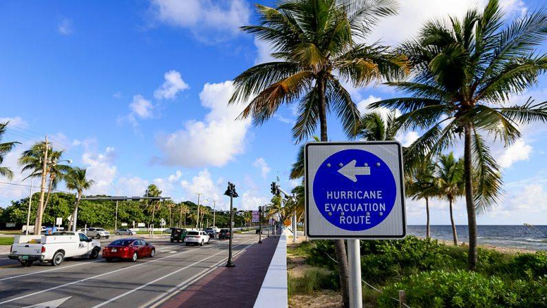 Evacuación por llegada de huracán Matthew (Foto: Rob Foldy/Getty Images)