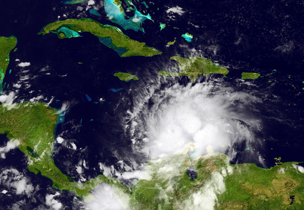 Huracán Matthew (Photo by NOAA via Getty Images)