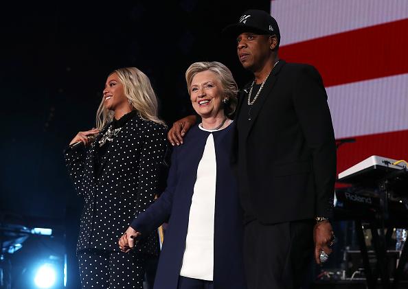 Beyonce y su marido, el rapero Jay Z, en el concierto de Ohio, en apoyo a Clinton. (Foto: Justin Sullivan/Getty Images)