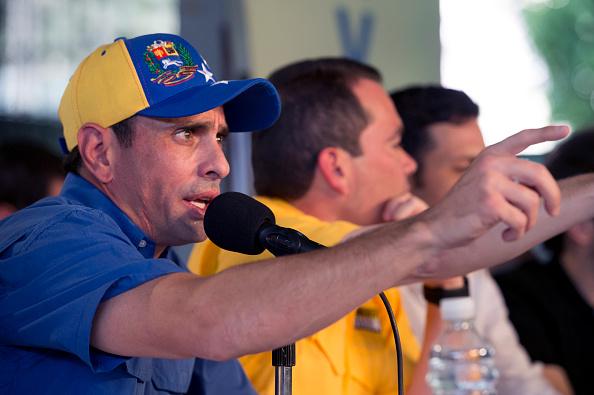 Venezuela: autoridades retuvieron el pasaporte de Capriles cuando intentaba viajar a la ONU