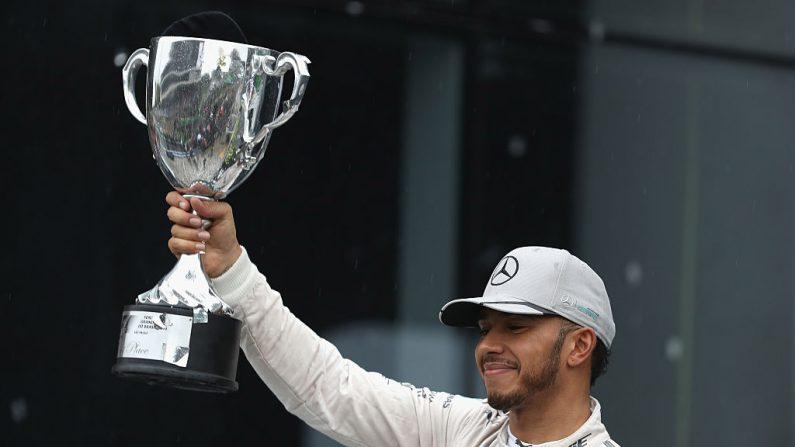 Lewis Hamilton de Gran Bretaña y Mercedes GP. (Foto por Mark Thompson/Getty Images)