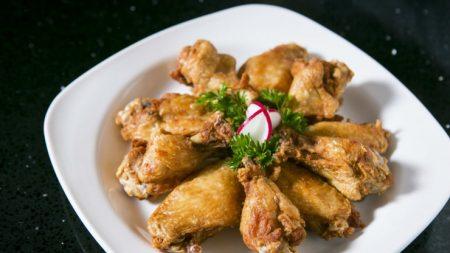 El mejor pollo frito coreano sin gluten con salsa de ajo y soja