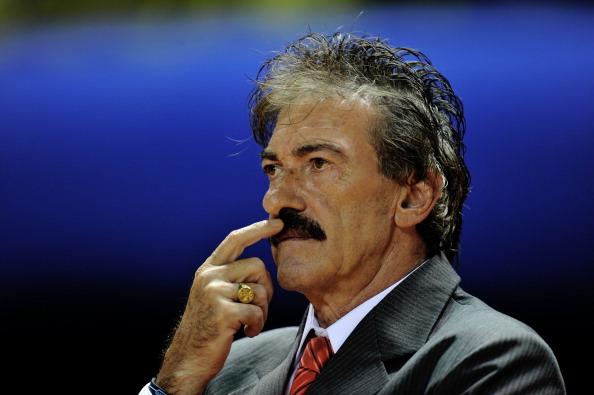 El técnico del América de México, Ricardo La Volpe. (YURI CORTEZ/AFP/Getty Images)