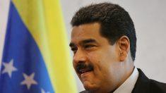 """Exhortan a declarar a Maduro en """"abandono de cargo"""""""