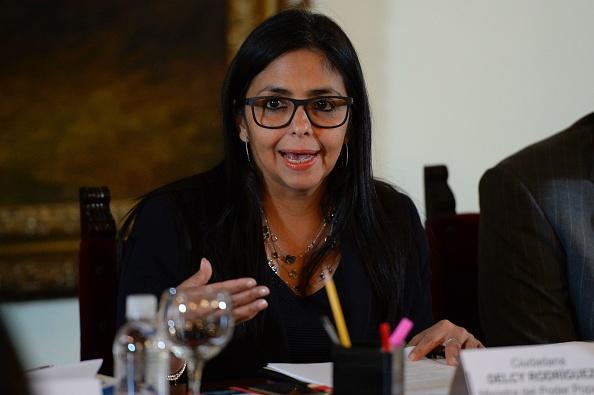 """Rodríguez desmintió al ex consejero venezolano en la Embajada de Irak, Misael López, y quien sirvió de testigo e informante principal de CNN y lo tildó de """"agente de una agencia imperial"""". (Foto: FEDERICO PARRA/AFP/Getty Images)"""
