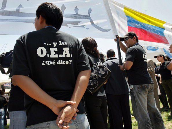 La Secretaría General de la OEA hace un llamado a los responsables y partes en el diálogo que se lleva a cabo en el país a tomar en cuenta en forma urgente la severa realidad humanitaria que vive el pueblo venezolano. (Foto: YURI CORTEZ/AFP/Getty Images)