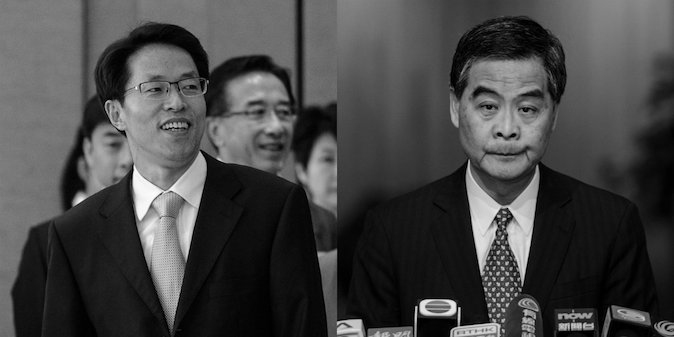 (De izquierda a derecha) Zhang Xiaoming, director de la oficina de enlace de China, y el jefe ejecutivo de Hong Kong, Leung Chun-ying. (Philippe López / AFP / Getty Images, Anthony Wallace / AFP / Getty Images)