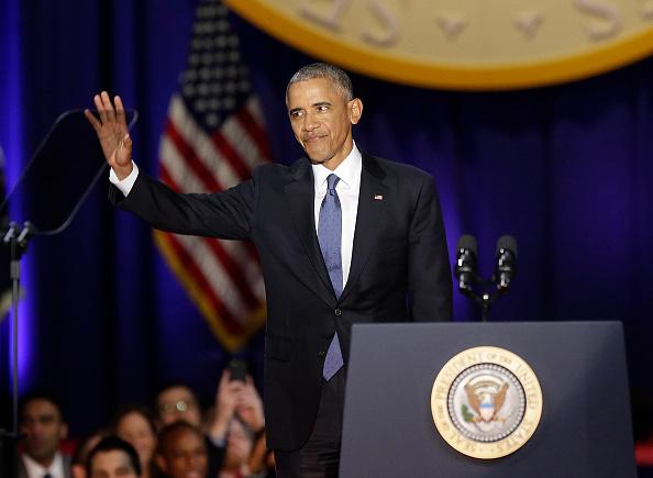 El presidente de Estados Unidos Barack Obama antes de hablar durante su discurso de despedida en Chicago, Illinois, el 10 de enero de 2017. (JOSHUA LOTT / AFP / Getty Images)
