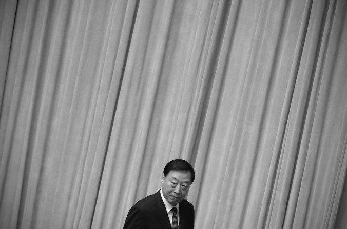 El ex secretario del Partido Comunista de Jiangsu, Luo Zhijun, en el Gran Salón del Pueblo en Beijing el 15 de marzo de 2015. Una fuente familiarizada con el oficialismo en la provincia de Jiangsu dijo que los funcionarios han estado ignorando las órdenes del gobierno central. (Feng Li / Getty Images)