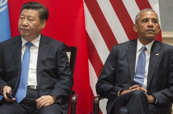 Presidente Barack Obama y el líder chino Xi Jinping en la Cumbre de Líderes del G20, sobre el acuerdo climático de Paris en Hangzhou, China, el 3 de septiembre de 2016. (SAUL LOEB / AFP / Getty Images)