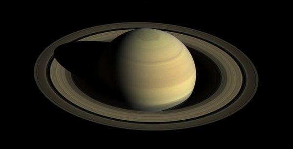 Saturno luna pan