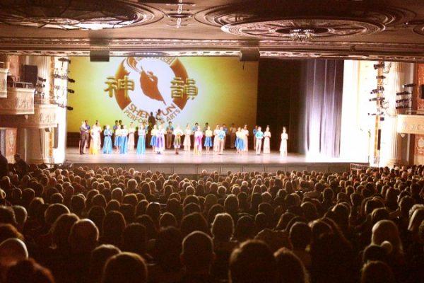 Director de cine: Shen Yun muestra un camino hacia la paz en la tierra