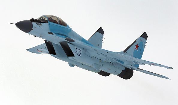 Un avión ruso polivalente de combate MiG-35 durante su presentación en la planta MiG en Lukhovitsy el 27 de enero de 2017. (MARINA LYSTSEVA/AFP/Getty Images)