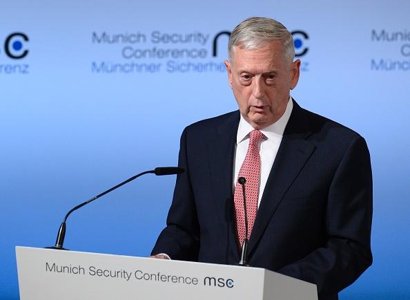 El Secretario de Defensa del gobierno de Estados Unidos, James Mattis, en la 53ª Conferencia de Seguridad de Múnich (MSC) en el hotel Bayerischer Hof en Munich, Alemania, el 17 de febrero de 2017. (THOMAS KIENZLE / AFP / Getty Images)