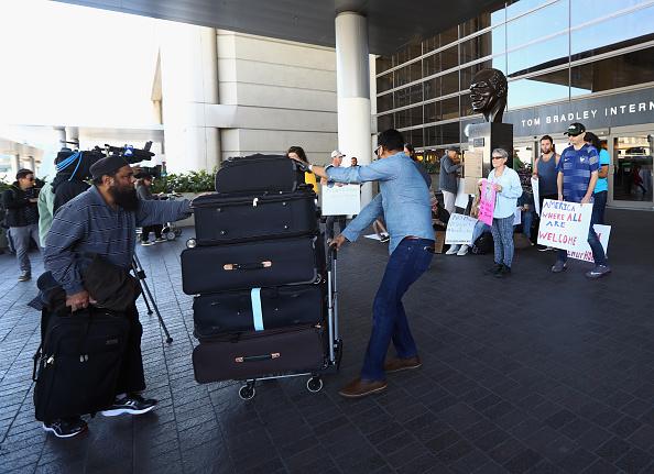 Algunas aerolíneas comenzaron a aceptar pasajeros de los siete países afectados en sus vuelos. (Foto: Bruce Bennett/Getty Images)