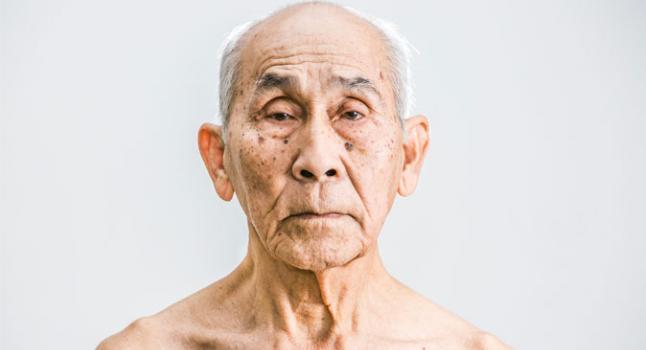 Nal Oum, sobreviviente del Jemer Rojo, en Nueva York el 23 de enero de 2015. Oum era el subdirector de uno de los principales hospitales de Camboya antes de que el Khmer Rouge lo tomara. (Benjamin Chasteen / La Gran Época)