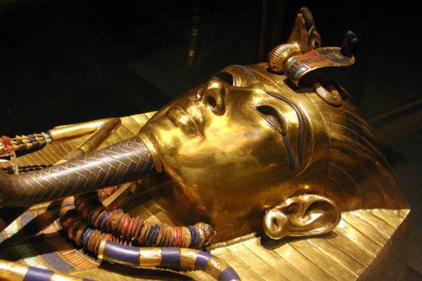 Tutankamón ataúd interior