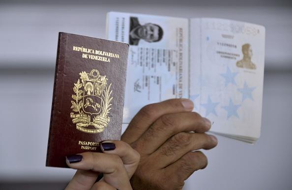 Pasaporte venezolano. Foto:  RAUL ARBOLEDA/AFP/Getty Images