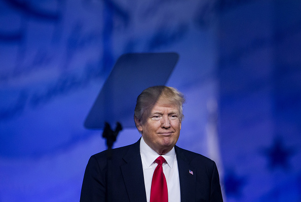 Donald Trump, el mandatario estadounidense, dio un discurso de alrededor de una hora en el marco de la CPAC 2017. Foto:  Eric Thayer/Bloomberg via Getty Images