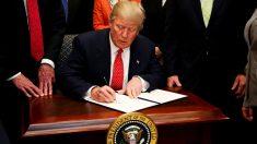 Corresponsales de prensa decidirán qué hacer con el sueldo donado por Trump
