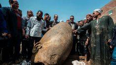 Hallan una enorme estatua del faraón Ramsés II en El Cairo