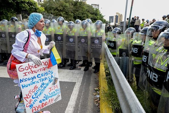 La escasez de medicamentos, suministros médicos y servicios están causando muertes evitables en Venezuela. (Foto: FEDERICO PARRA/AFP/Getty Images)