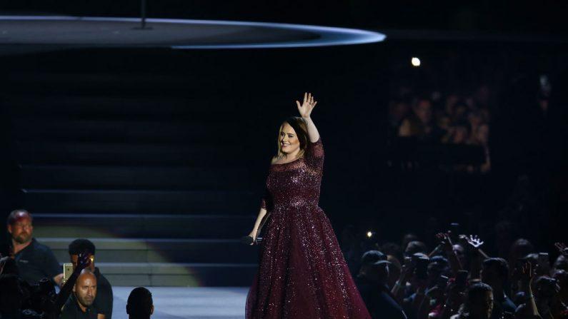 Adele suspende un concierto al ver que una fan se encontraba indispuesta (foto Paul Kane/Getty Images)