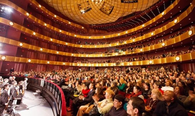 Shen Yun Performing Arts en Nueva York en el Lincoln Center, el 13 de enero del 2016. (Larry Dye/La Gran Época)