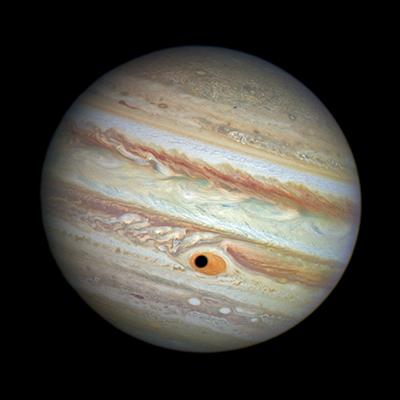 El ojo de júpiter formado por la sombra de una luna sobre su mancha roja (Hubble- NASA / ESA / A. Simon (Goddard Space Flight Center)