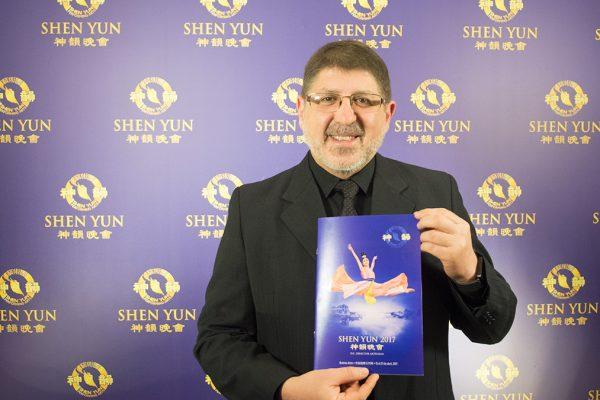 Shen Yun tiene el nivel para estar en el Teatro Colón, afirma el Director del Coro del Teatro Colón