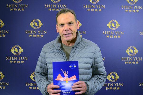 """Shen Yun tiene """"mucho talento, mucha distinción"""", dice Director Nacional de Migraciones"""