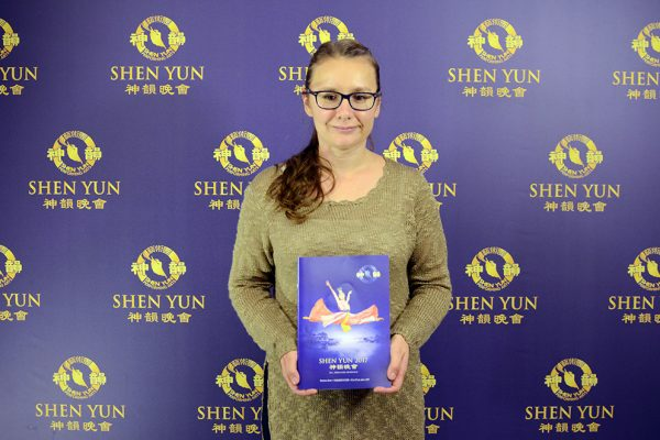 Diputados argentinos elogian la cultura china presentada por Shen Yun