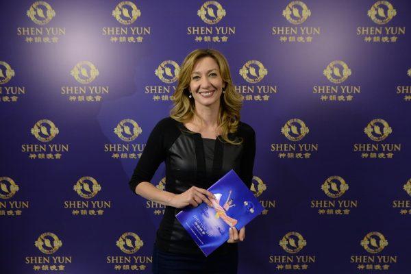 """""""Shen Yun no es solamente un espectáculo, es toda una experiencia"""", señala reconocida periodista argentina"""