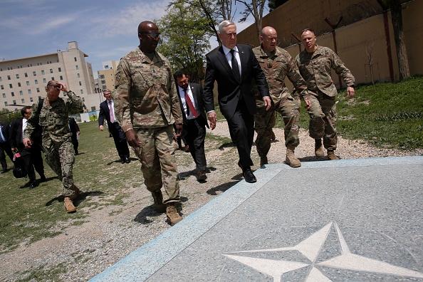 El secretario de Defensa de Estados Unidos, Jim Mattis, llegó a Afganistán en una visita no anunciada el 24 de abril (Foto: JONATHAN ERNST/AFP/Getty Images)