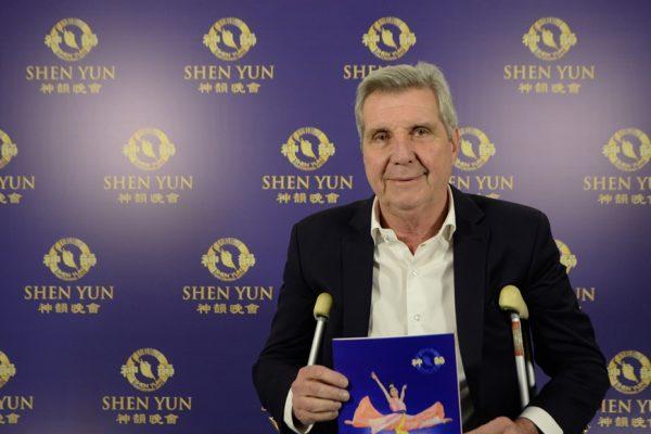 """""""Esos valores han dejado de ser de la cultura milenaria china para comenzar a universalizarse"""", destaca diputado luego de ver Shen Yun en Argentina"""