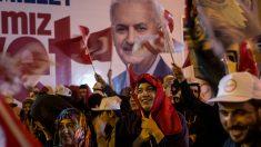 """El """"sí"""" se impone con ventaja ajustada en referendo en Turquía"""