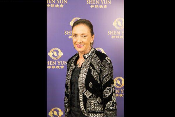 """""""Que no nos falte nunca Shen Yun"""", expresa Norma Duek, reconocida marchand de arte"""