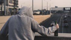 Habló con un mendigo sin saber que estaba a punto de quitarse la vida, ¡su bondad cambió su destino!