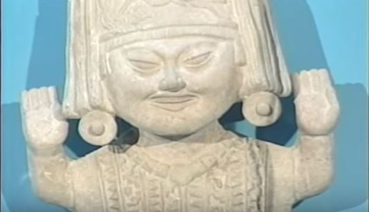 Esculturas milenarias que muestran la magia de la sonrisa